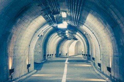 Fototapeta Wnętrze tunelu miejskiego w góry bez ruchu ..