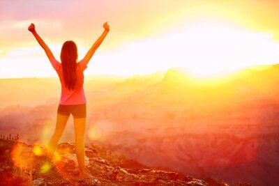 Fototapeta Wolność i przygoda - kobieta szczęśliwa, Grand Canyon