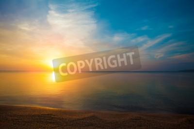 Fototapeta Wschód słońca nad morzem