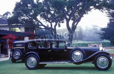 Fototapeta Wydłużony Bugatti na wystawie w 35th Kamyk Plaża Concours D'Ellegance, 6 Bugatti Royales.