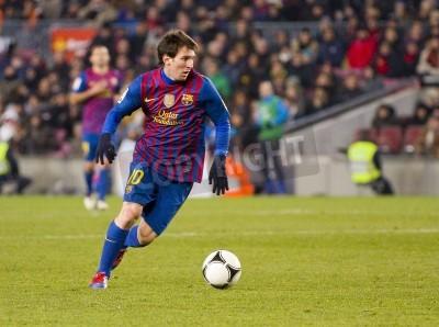 Fototapeta BARCELONA - Lionel Messi w akcji podczas meczu Pucharu Hiszpanii pomiędzy FC Barcelona i Valencia CF, końcowy wynik 2-0, w stadionu Camp Nou, Barcelona, Hiszpania