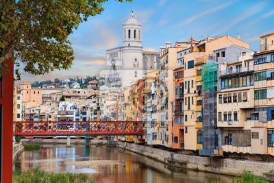 Historyczna dzielnica ydowska w girona z mostu eiffla o wicie fototapeta fototapety - Casco antiguo de girona ...