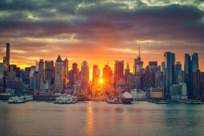 Fototapeta Zachmurzenie wschód słońca nad Manhattan, Nowy Jork