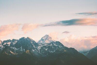 Fototapeta Zachód s? O? Ca Góry szczyty i chmury Lato krajobrazu podró? Y dzikiej przyrody malownicze anteny widok.