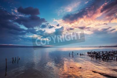 Fototapeta Zachód słońca nad jeziorem obraz HDR