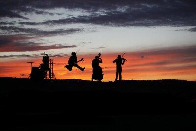 Fototapeta Zespół wykonujący na żywo podczas koncertu na zewnątrz