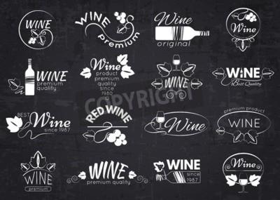 Fototapeta Zestaw etykiet wina, odznak i znaków graficznych dla projektu na tablicy. ilustracji wektorowych.