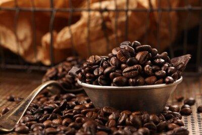 Fototapeta Ziarna kawy i gorzkiej czekolady w misce w stylu vintage