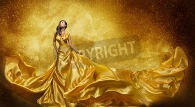 Fototapeta Złoto Modelka Dress, Kobieta W Sukni Flowing Złoty Silk Fabric, Beautiful Girl na Gwiazdy Sky patrząc w górę