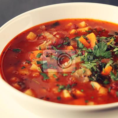Zupa Pomidorowa Z Czerwona Fasola Ziemniakami I Marchewka Weganin