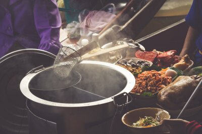 Fototapeta Żywność w Damnoen Saduak Floating Market blisko Bangkok, Tajlandia