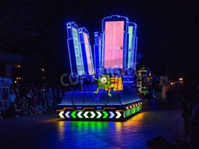 Naklejka ANAHEIM, CALIFORNIA - December 2nd, 2016 - Disneyland's Paint the Night Parade