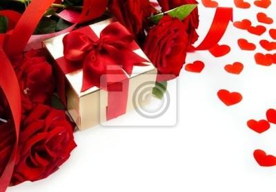 art walentynkowa kartka z czerwonych róż i pudełko na białym backgro