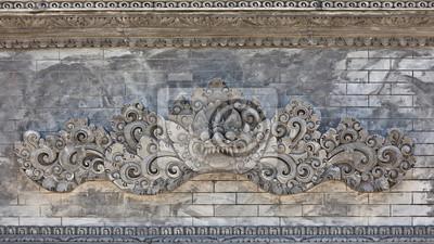 Balijski ściany świątyni z demonicznego szefa straży tradycyjnych