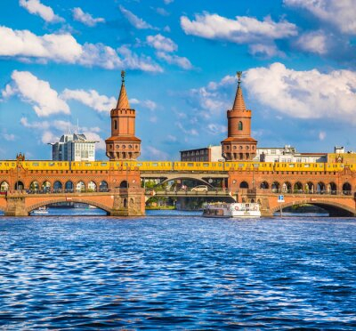 Naklejka Berlin Oberbaumbrücke, Friedrichshain-Kreuzberg, Niemcy