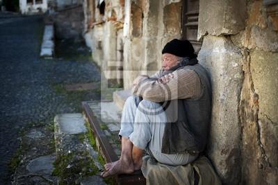 Bezdomny mężczyzna na ulicy