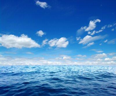 Naklejka Błękitne morze powierzchni wody