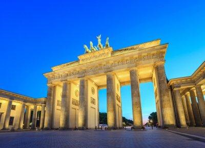 Naklejka Brama Brandenburska w nocy - Berlin - Niemcy