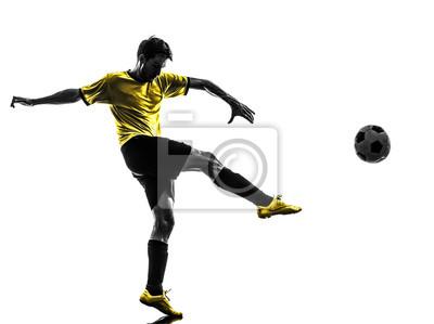 brazylijski piłkarz kopanie piłki nożnej sylwetki młody człowiek