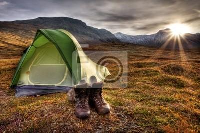 Camping bei Sonnenaufgang w Norwegen