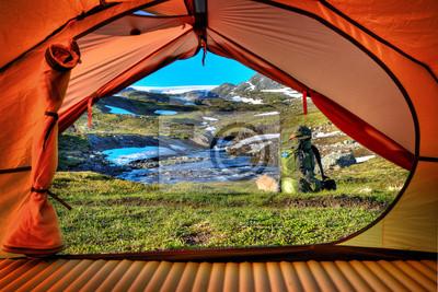 Camping w Hardangervidda - Lookout przez namiotu