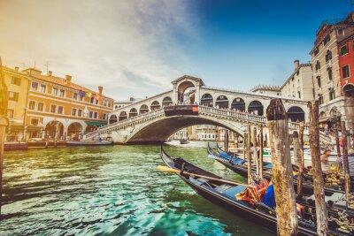 Naklejka Canal Grande i Most Rialto na zachód słońca, Wenecja, Włochy