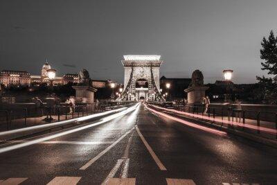 Naklejka Chain Bridge w nocy