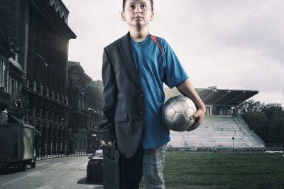 Chłopiec pół piłkarz