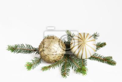 Christmas kulki na gałęzi jodły