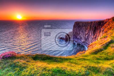 Naklejka Cliffs of Moher o zachodzie słońca, Co Clare, Irlandia