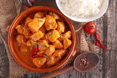 Naklejka curry z kurczaka z sosem i ryżem