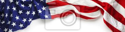 Naklejka Czerwona, biała i niebieska flaga amerykańska na dzień pamięci lub weterana w tle dzień