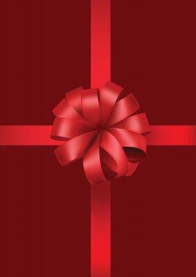 czerwone pudełko z czerwonym dziobem wstążką