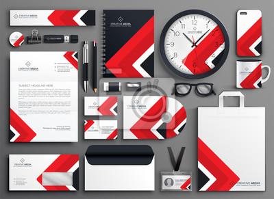 czerwony zestaw papeterii marki biznesowej