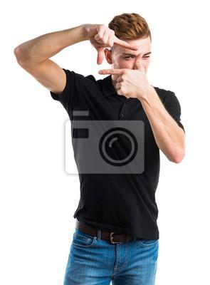 Człowiek koncentrując palcami