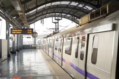Naklejka Delhi, India -  March 03, 2012: Delhi Metro station  in Delhi. Delhi Metro network consists of six lines with a total length of 189.63 kilometres (117.83 mi) with 142 stations