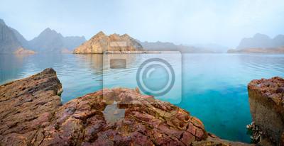 Naklejka Denny tropikalny krajobraz z górami i fjords, Oman