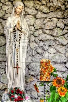 Die Jungfrau Maria mit Rosenkranz