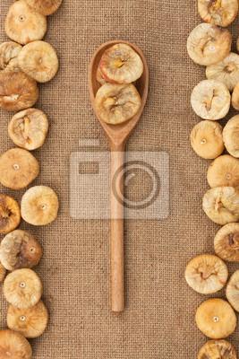 Drewniana łyżka z figami