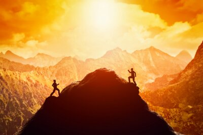 Naklejka Dwóch mężczyzn z systemem wyścigu na szczyt góry. Konkurencja, rywale, wyzwanie