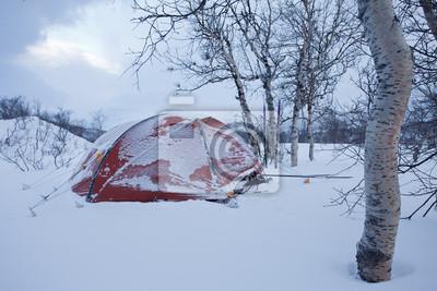 Eingeschneites Zelt im Zima w Laponii