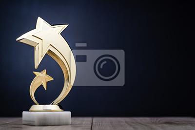 Naklejka Eleganckie zwycięzców trofeum z gwiazdami fotografowania