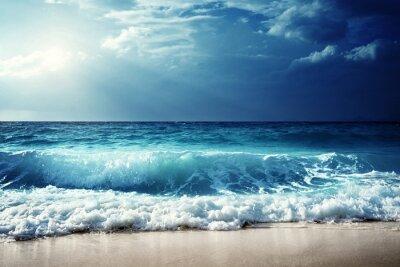 Naklejka fale na plaży na Seszelach