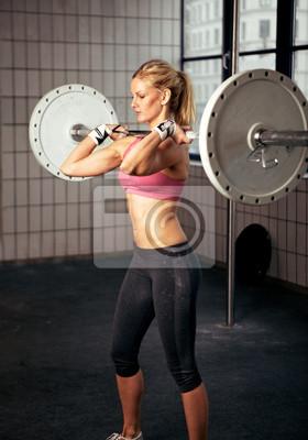 Fitness Woman podnoszenia wagi ciężkiej