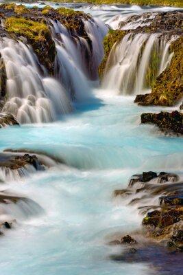 Naklejka Fragment wodospadu Bruarfoss w Islandii