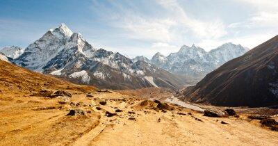Naklejka Głęboka dolina w górach Himalaya