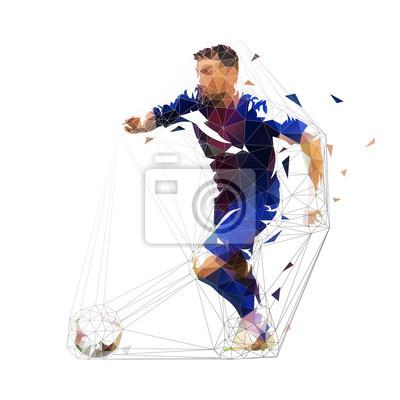 Gracz futbolu w zmroku - błękitny dżersejowy bieg z piłką, abstrakcjonistyczny low poly wektorowy rysunek. Piłka nożna, sport zespołowy. Odosobniona geometryczna kolorowa ilustracja, boczny widok