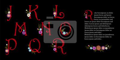 Hafty vintage alfabetu łacińskiego alfabetu ustawić. Początkowa kropla ozdobnych kwiatów. Kapitał czcionki Kwiatowiec czerwony wektora ilustracji litery znaki haftowane jklmnop kwiatu projektu