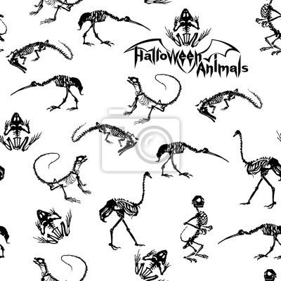 Halloween zwierzęta - czarne szkielety gadów (krokodyle, jaszczurki, żaby), małpy i ptaki (strusie i czaple) na białym tle. Szwu.