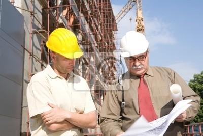 Inżynierowie w miejscu cosnstruction